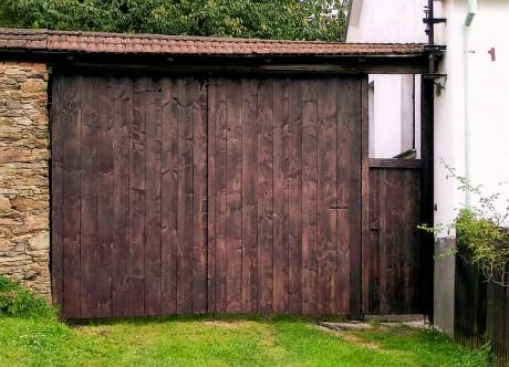 Dřevěná vrata ceník